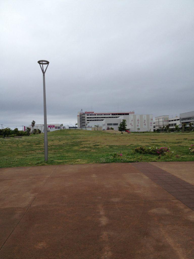イオンモール幕張新都心は、コストコの近く