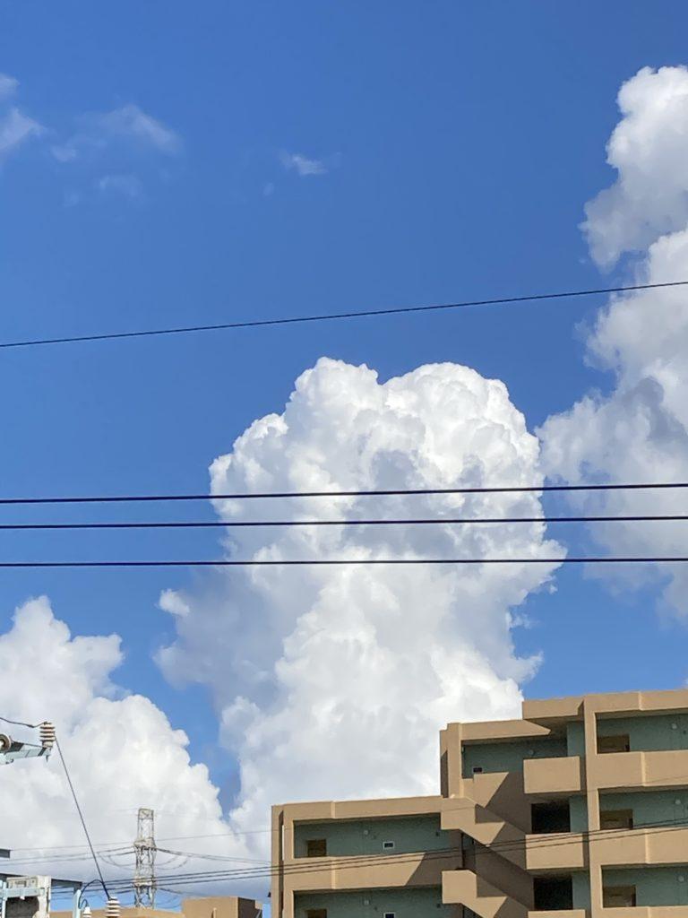 青空にがっつりと入道雲